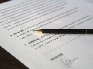 Wszelkie postanowienia zmieniające lub uzupełniające umowę agencyjną powinny być w formie pisemnej.